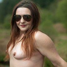 Lou - Sexy nudist