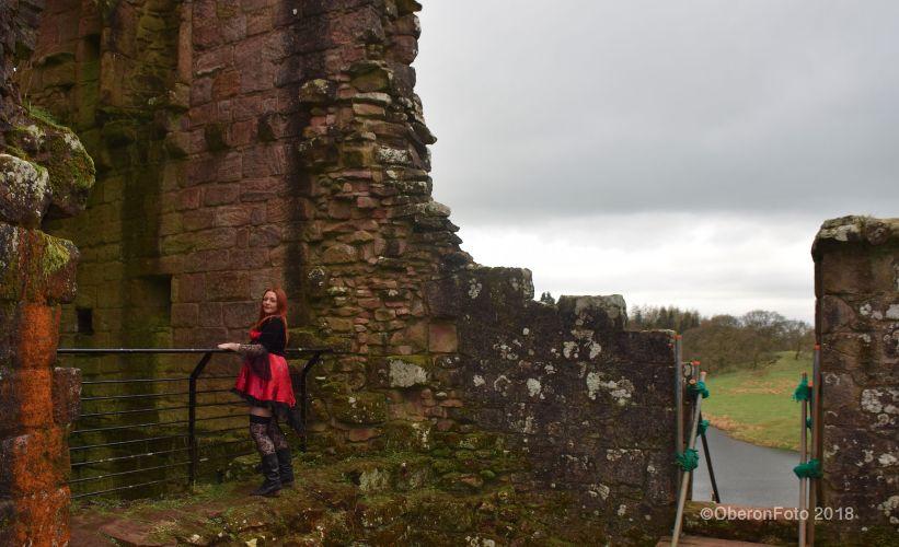 Lou - Castle view