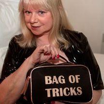 Amanda - Bag of tricks