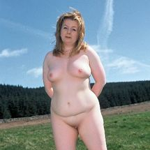 Charley - Relaxed in her skin