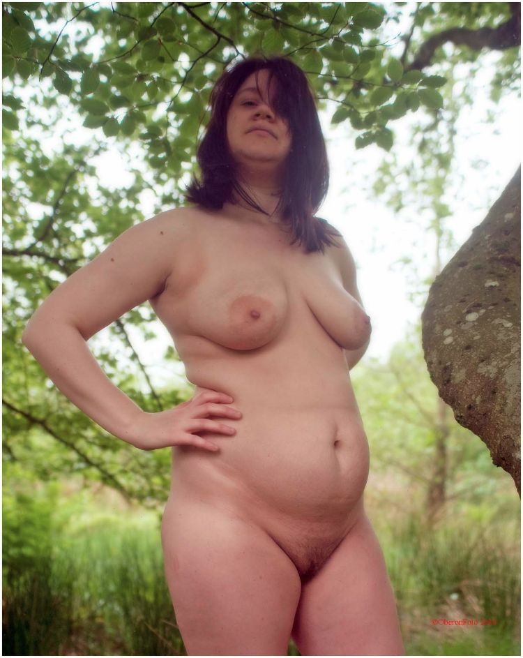 Lucy - Nude
