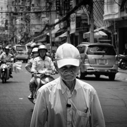 Walking in my street - Hô Chi Minh - 2012