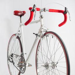 Prise de vue en studio d'ancien vélos restaurés