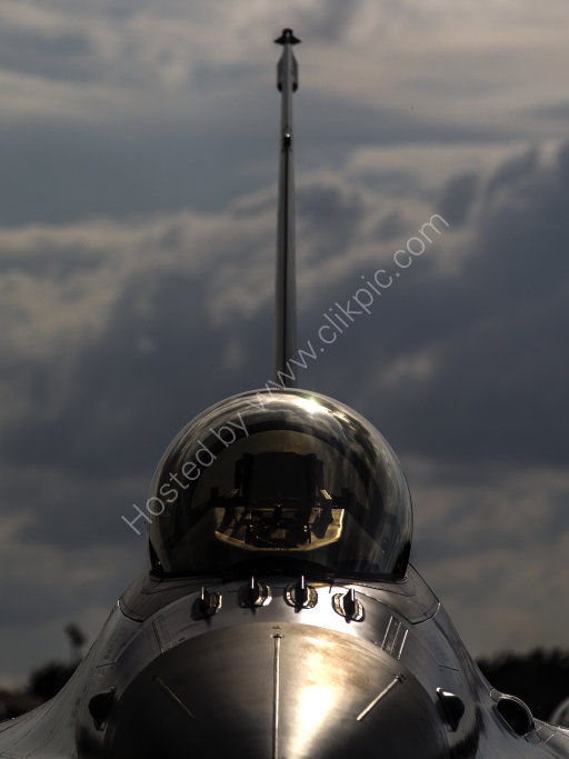 F-16 Falcon head-on