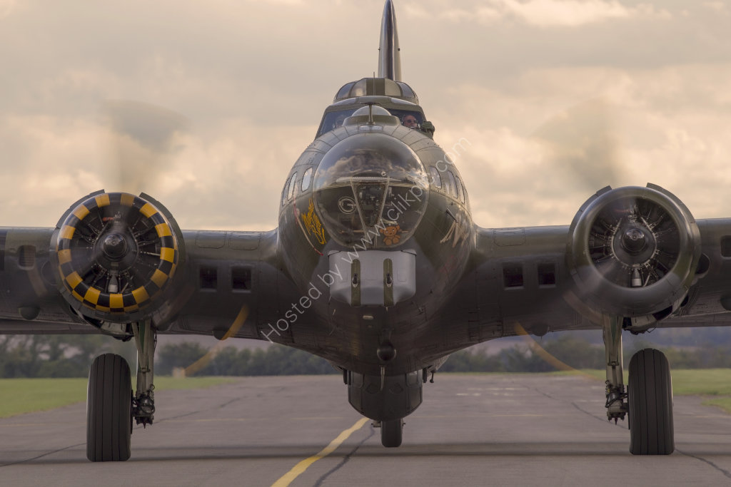 B-17G Flying Fortress head-on