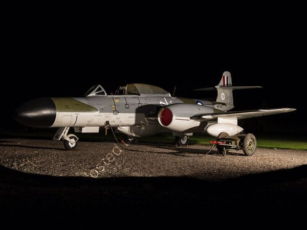 Gloster Meteor at night