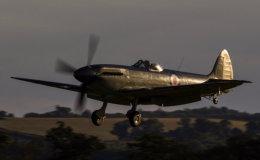 Supermarine Seafire landing