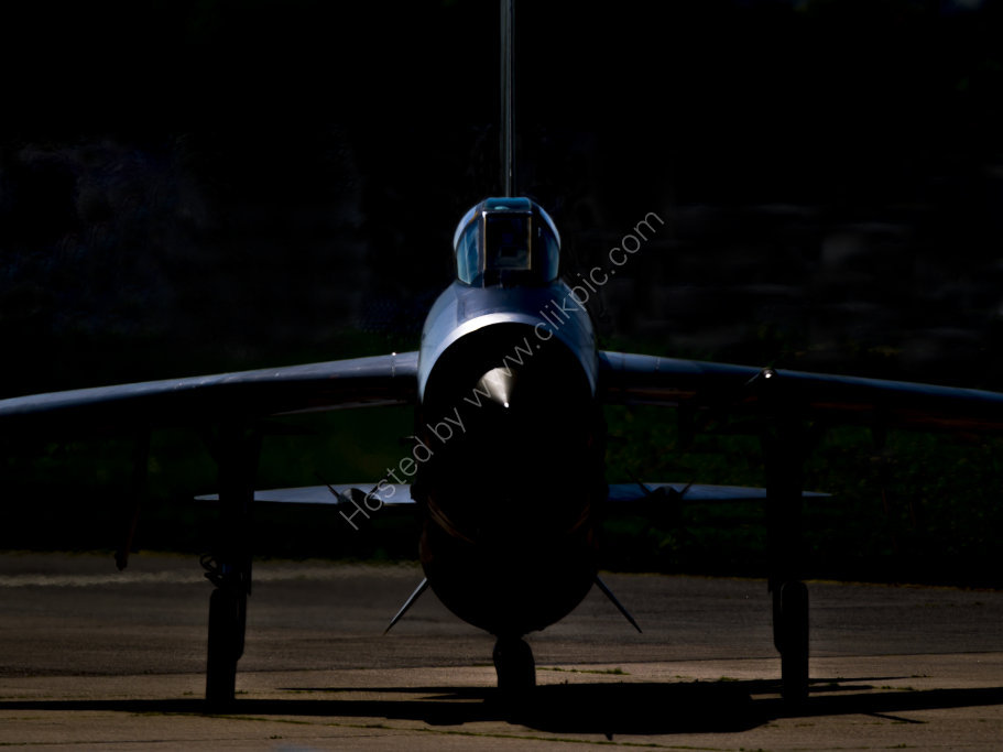 Lightning XH904 head-on