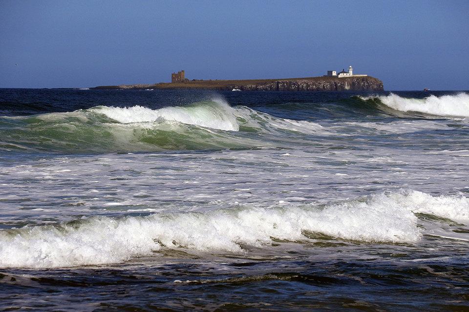 Mega Waves at the Farne Isles