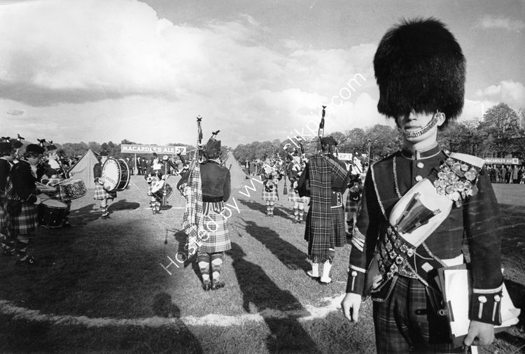 112 Pipers at Maytime Festival