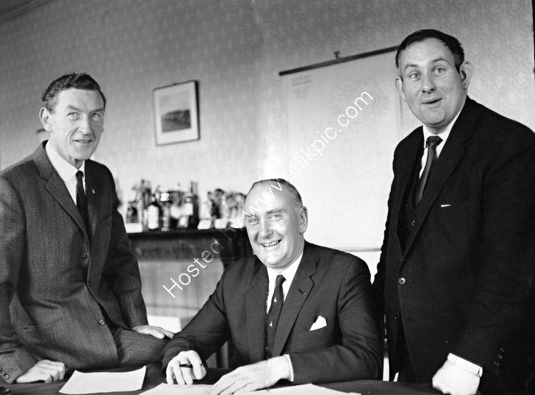 114 Minister Paddy Donegan with Frank Johnston and Tommy Elmore FG
