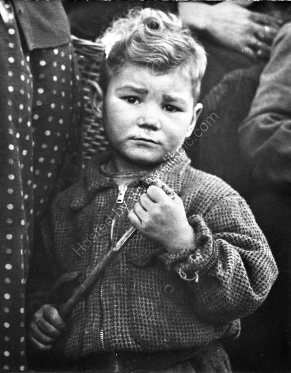 122 Traveller boy watching his family being evicted from halting site in 1960's