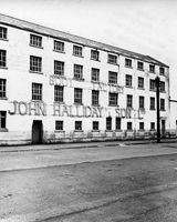 124 Hallidays in Quay Street after closure