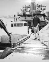 159 Artist and docker Theo Oakley at Dundalk Port