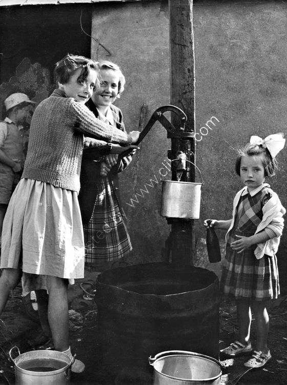 19 Drought in Dundalk - Girls at water pump