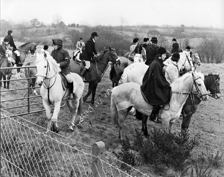 67 Hunting outside Dundalk - Francie Hughes at centre