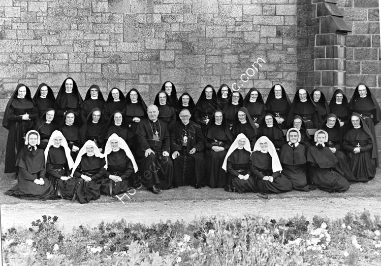 86 Cardinal Conway with Convent of Mercy nuns 1970's