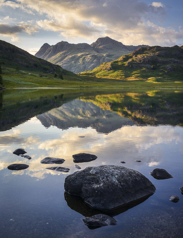 L19 Langdale Pikes and Blea Tarn, Cumbria