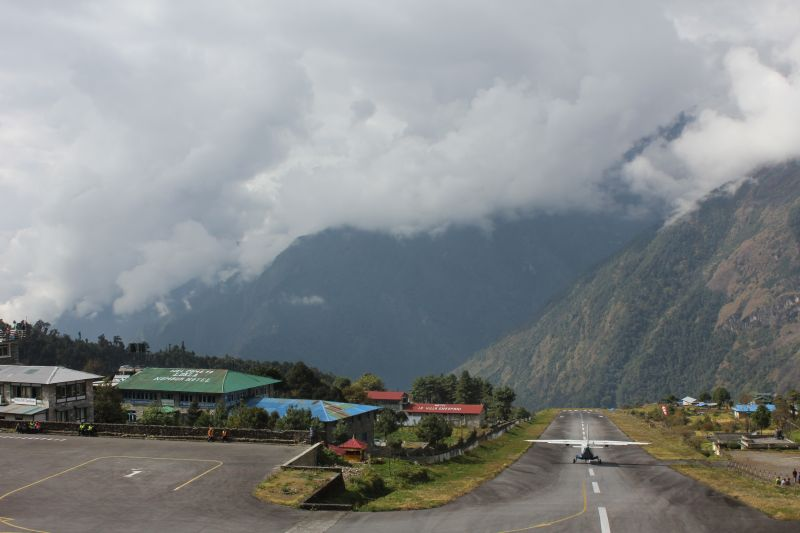 Lukla airport runway at 2886m