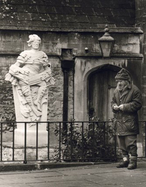 Man with Jesus Statue, Bath Abbey 2001