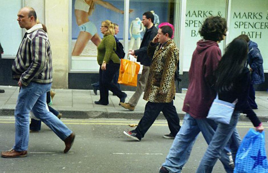 Pedestrians, Stall Street, 2005