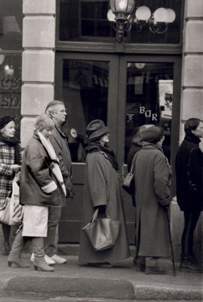 Queue for the Titanic, Westgate, Bath 1997