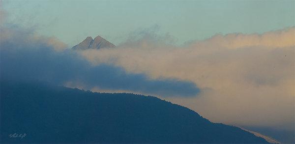 Tararua peak 1809 from Otaki River