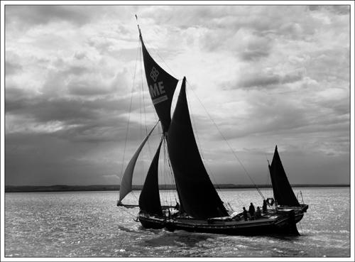 Thames Barge (*)