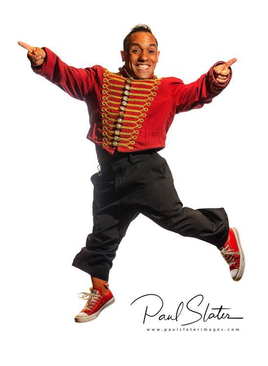 Cirque Berserk cast member portrait - Paulo
