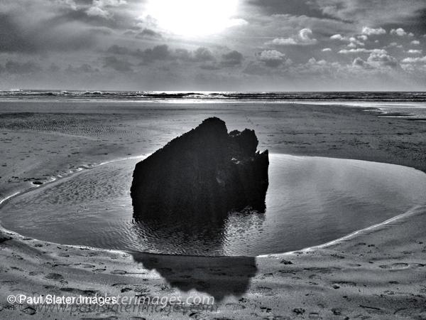 Rock pool, Tregantle Beach, Cornwall.