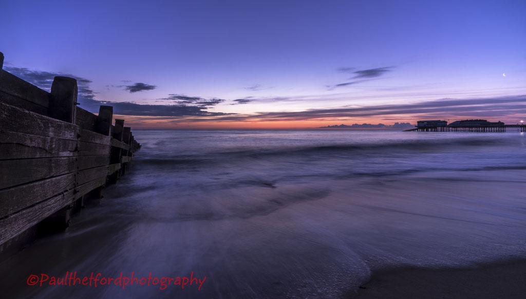 Sunrise over Cromer Pier 4