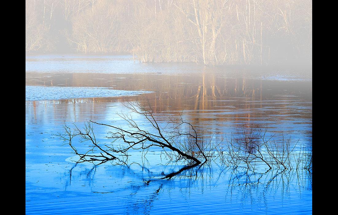 Blue sky reflection
