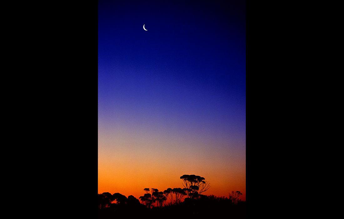 Crescent moon, Australia 1989