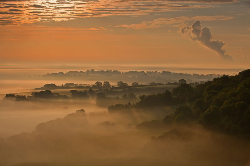 Sunrise ove the Oxfordshire countryside
