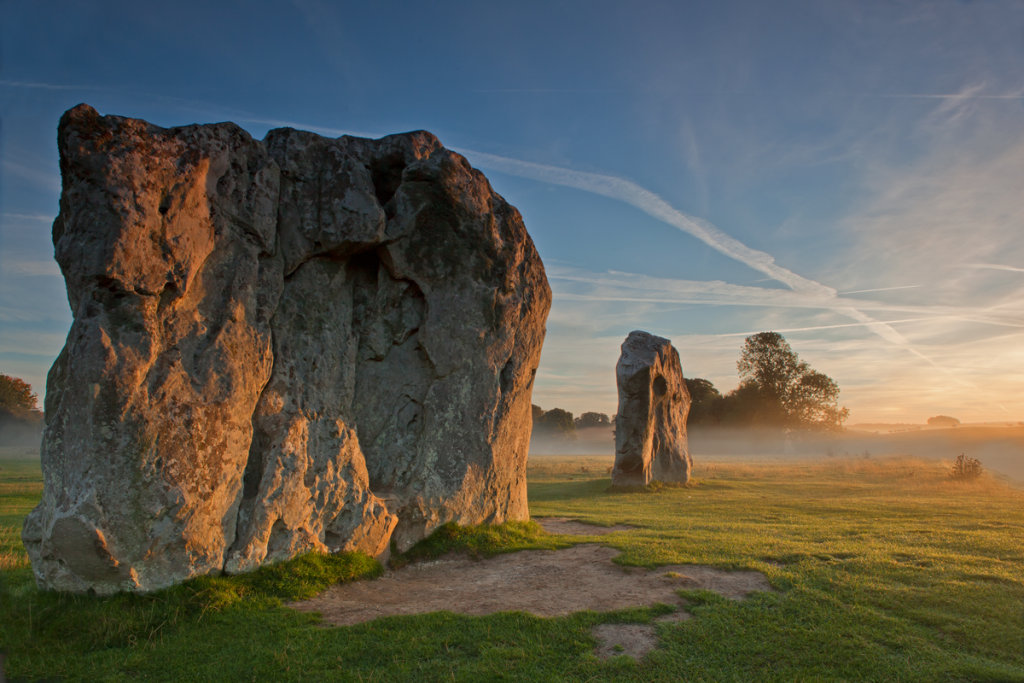 Avebury - The first rays of the sun