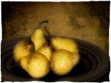 7 pears in bowl