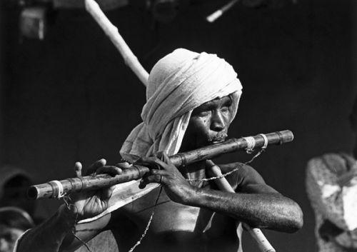 Village flautist in upland Bihar