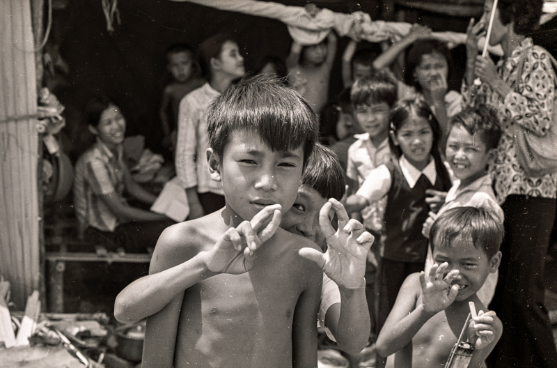 Children in displaced persons camp