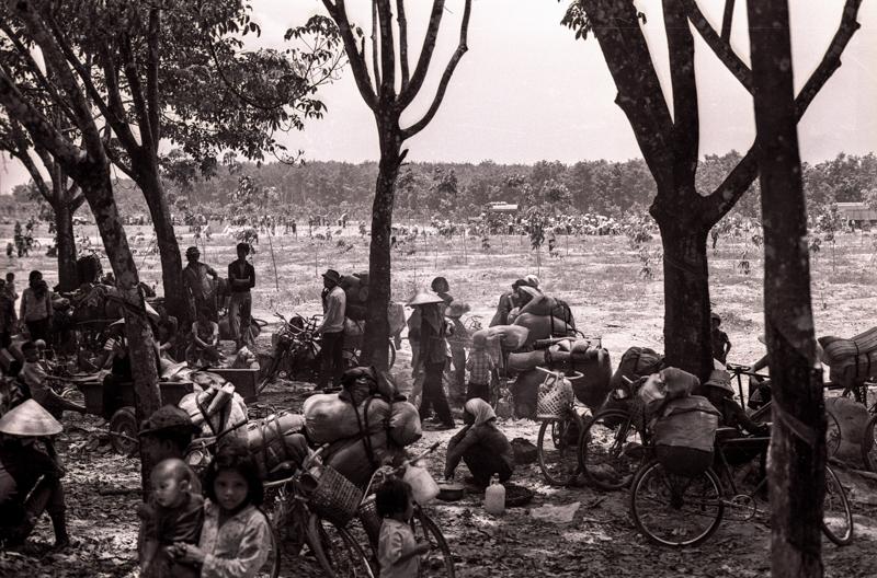 Displaced persons outside Saigon