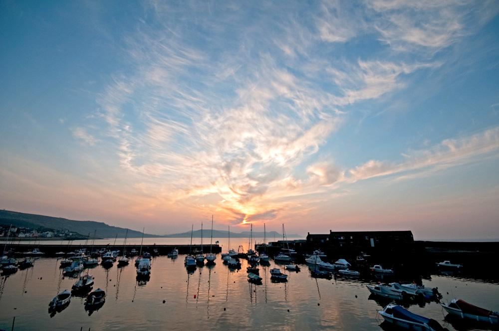 PW04450Lyme Regis harbour sunrise-2