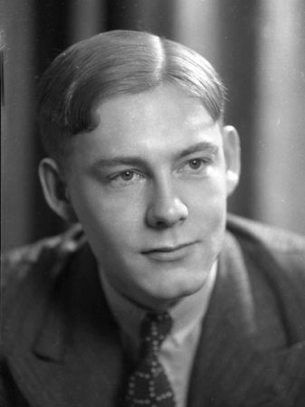 Michael Clapham,Sir