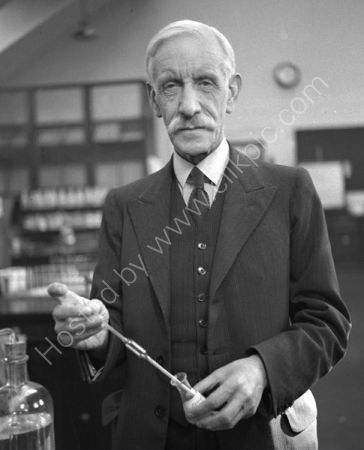 Prof. Sir Gowland Hopkins. (1937)