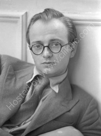 Dr J.H. Plumb (1937)