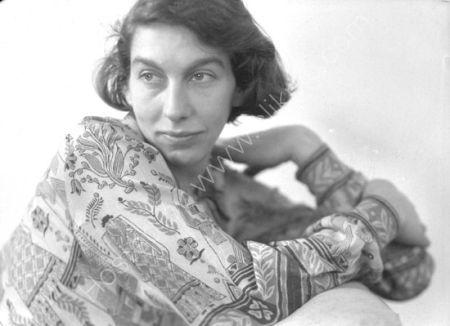 Elisabeth Vellacott (1934)
