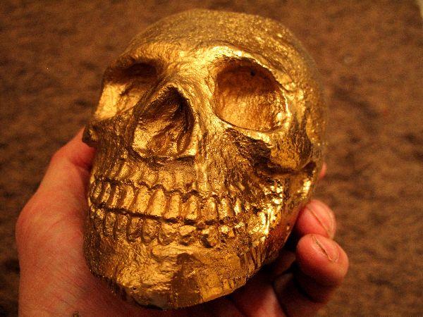 Gold skull, Mirror paint.
