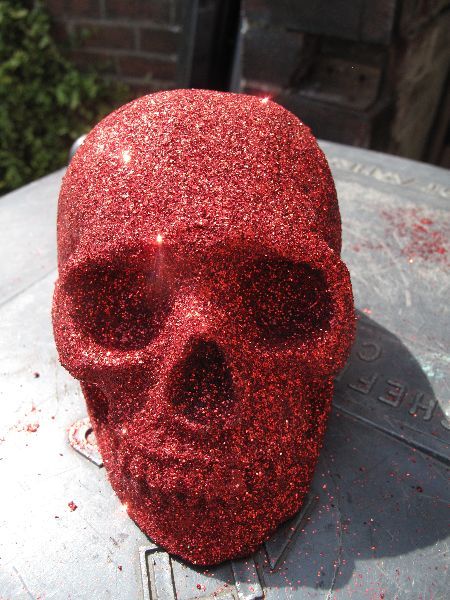 Human replica skull, red glitter, PJCreationCraft, Etsy.