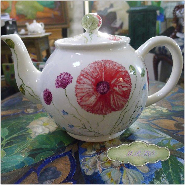 Hand Painted Poppy Teapot £80