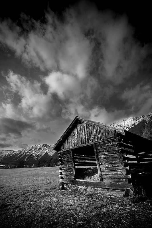 Mountain-Hut-Mono-Austria-3