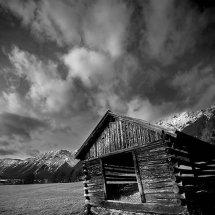 Mountain-Hut-Mono-Austria-3