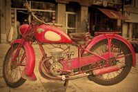 Brian Johnson ,Red-any shade, Peugeot In Red